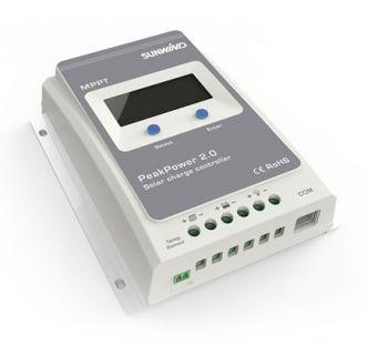 Sunwind PeakPower 30A MPPT Lithium lataussäädin näytöllä