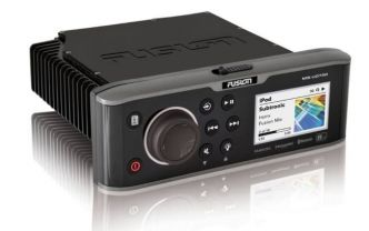 Fusion MS-UD750 unidock soitin Radio/FM/Bluetooth/NMEA2000/USB ESITTELYLAITE