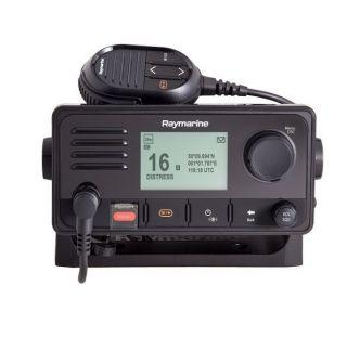 Raymarine Ray63 VHF radiopuhelin sisäisellä GPS:llä