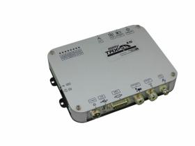 """easyTRX2S-IS AIS-lähetin/vastaanotin, Luokka """"B"""" antennisplitterillä"""