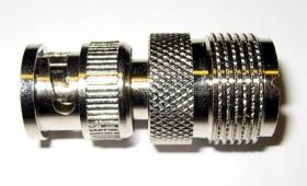 Adapteri BNC uros <-> UHF (SO239) naaras