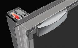 Lisävarusteinen asennuskehys (asennus ovi pinnan tasalla)