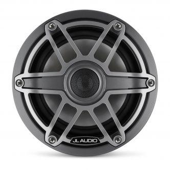 """JL Audio 6.5"""" M6-650x kaiutinpari titaaninvärisellä Sport-ritilällä ja aseharmaalla rungolla"""