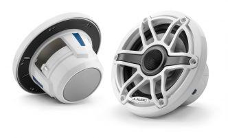 """JL Audio 6.5"""" M6-650x kaiutinpari valkoisella Sport-ritilällä ja rungolla"""
