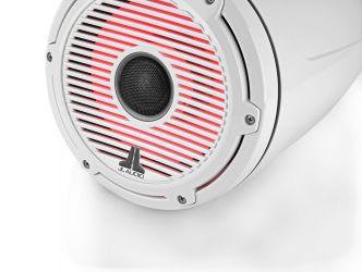 """JL Audio 8.8"""" koteloitu M6-880ETXv3 valkoisella Classic-ritilällä ja rungolla sekä LED-valaistuksella"""