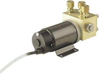 Simrad RPU160 hydraulinen kääntösuuntapumppu 2 l/min 12 V