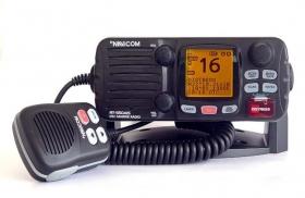 Navicom RT-550AIS VHF-puhelin ja AIS-vastaanotin