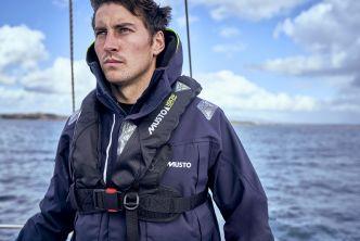 Musto Crew Life Vest 150N automaattiliivi